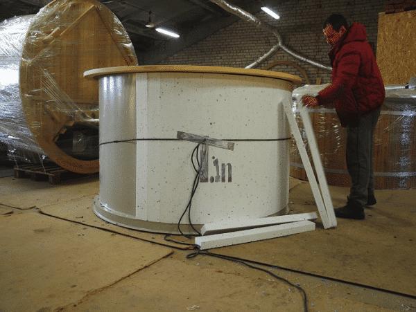 Izolacja ścian balii z wkładem PP i drewnianym parapetem